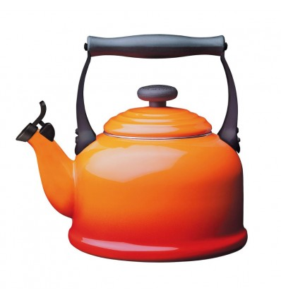 Le Creuset Traditional Kettle with Whistle, 2.1 L - Volcanic